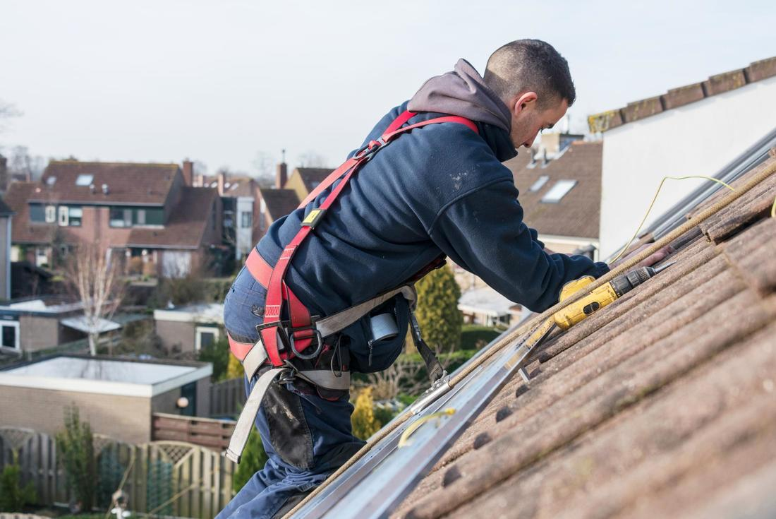 This is a picture of a roofer.